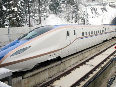 新幹線、雪国を快走 JRが長野-金沢間で走行試験