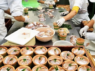 若狭の味、小鯛のささ漬け お歳暮に向けて生産ピーク