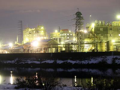 小矢部川沿いの工場夜景満喫を 高岡で今夏クルーズ計画