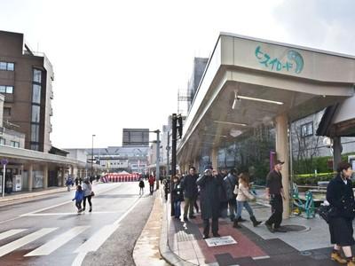 糸魚川駅前銀座商店街 アーケード完成 街の顔日本海に誘う