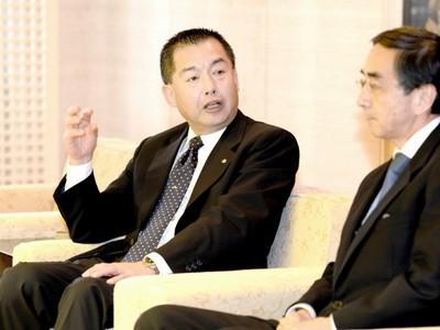 小松空港便数を維持、割引も JAL会長、北陸新幹線開業にらみ