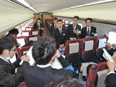 北陸新幹線・記者試乗ルポ 車窓から壮大自然次々