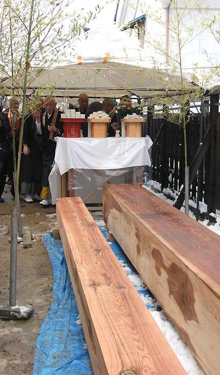 長野市松代町で行われた回向柱の「お浄め式」