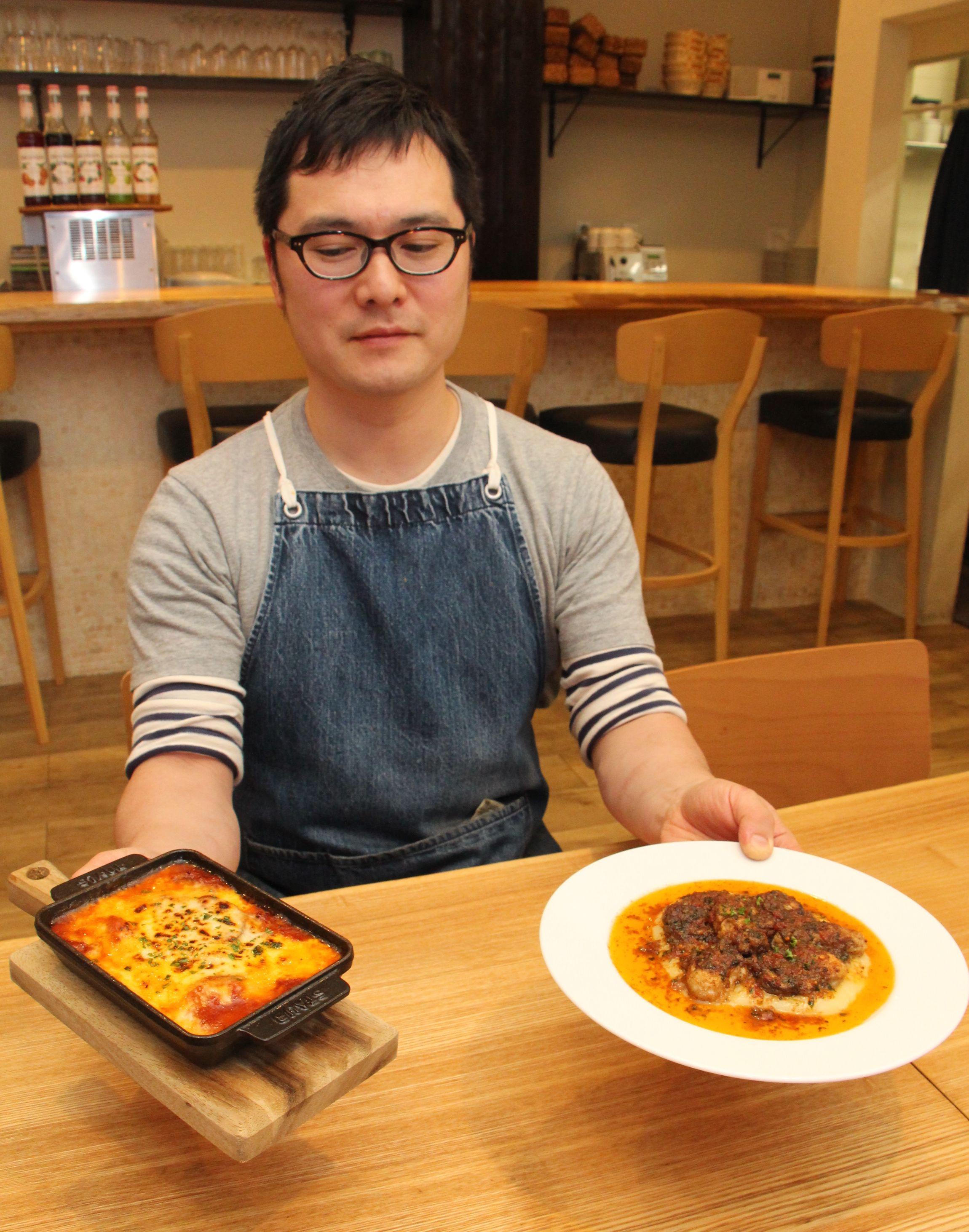 赤穂のカキを使った「赤穂カキと季節野菜のトマトソースグラタン」(左)と「赤穂カキのムニエル焦がしバターソース」=新発田市