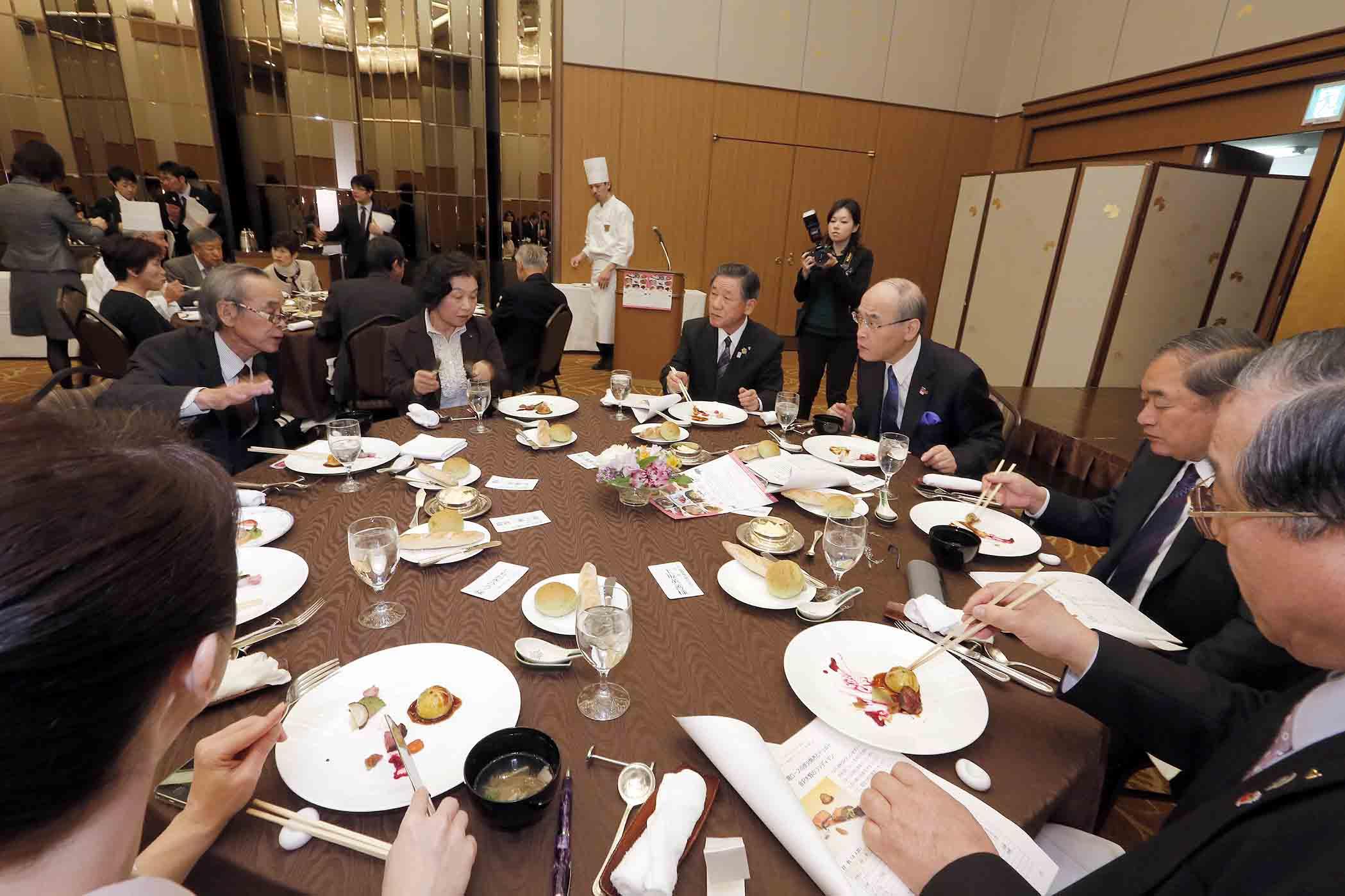 提供された多彩なジビエ料理=19日午前11時40分、金沢市内のホテル