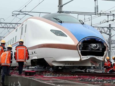 W7系「脱線」   迅速に復旧 白山総合車両所でJR西日本が訓練