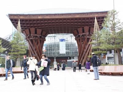 金沢のまちづくり 保存と開発、方針一貫 北陸へ延びるレール(6)