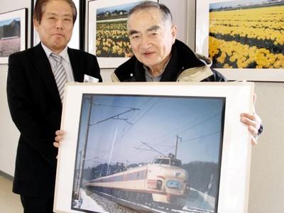 鉄道追い続け半世紀、写真30点 愛好家が北陸新幹線開業展