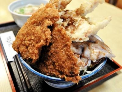 圧倒的なボリューム、ひっで丼いかが 江戸屋(福井県越前市)