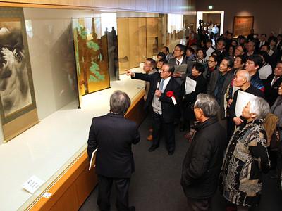 横山大観展開幕 県水墨美術館