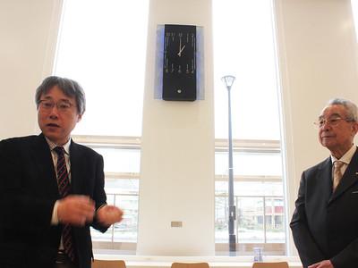 伝統と先端技術融合 新高岡駅に時計「時の融和」
