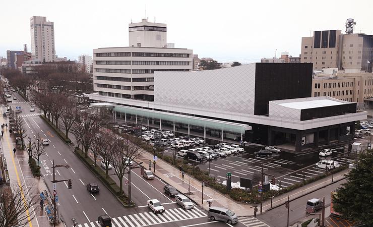 リニューアルされた県民会館=富山市新総曲輪