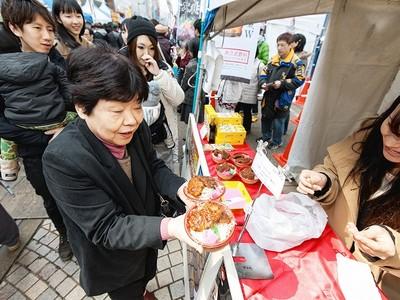 福井でワール丼カップ 絶品21丼に聖地沸く 15日まで