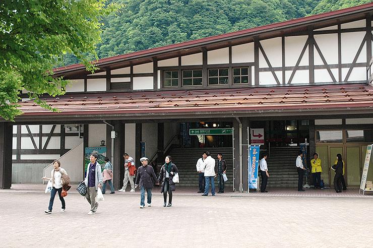 県内観光の新たな「情報発信基地」となる立山・黒部アルペンルートの玄関口・立山駅