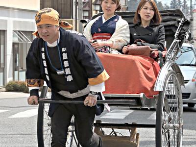 飯田市街地に人力車、住民有志が運行スタート
