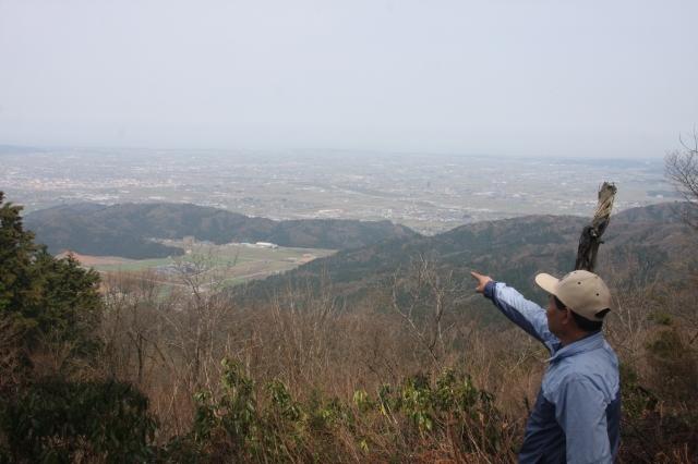 坂井平野などが望める吉野ケ岳の山頂=永平寺町