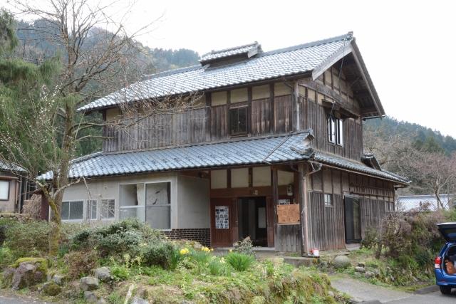 現代芸術研究会が空き家を改修してオープンした事務所兼ギャラリー=福井県南越前町牧谷