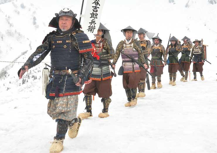 黒部平で披露した雪中行軍