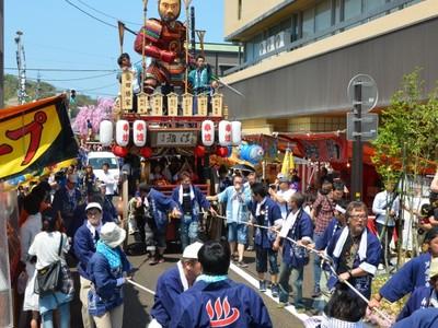芦原温泉春祭り、華やか勇壮山車 湯の街熱気 大太鼓や囃子響く