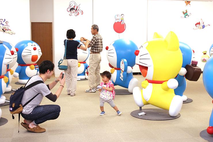 藤子・F・不二雄さんの企画展が開催されている高岡市美術館。12月に常設展示施設がオープンすることが決まった=高岡市中川