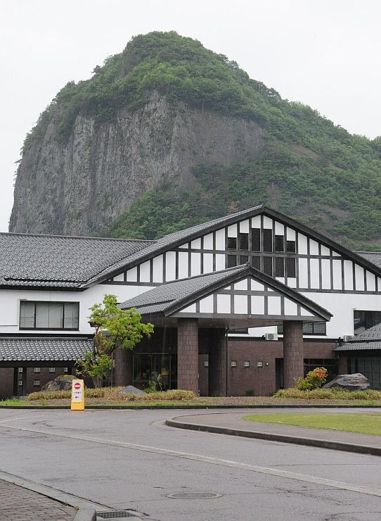 「健康づくり大学」で周遊観光の核に位置付ける温泉施設「いい湯らてい」=三条市