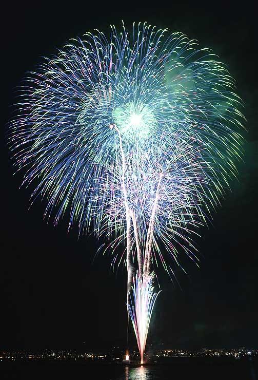 昨年の第32回全国新作花火競技大会で優勝した花火。今年は9月5日に行う