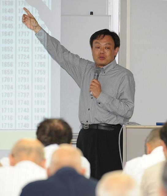 並行在来線の重要性を語る中川京都大大学院教授=31日、福井市のアオッサ
