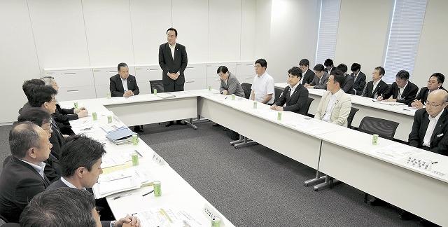 北陸新幹線福井駅部の課題などについて議論した与党整備新幹線建設推進プロジェクトチームの検討委員会=1日、衆院議員会館