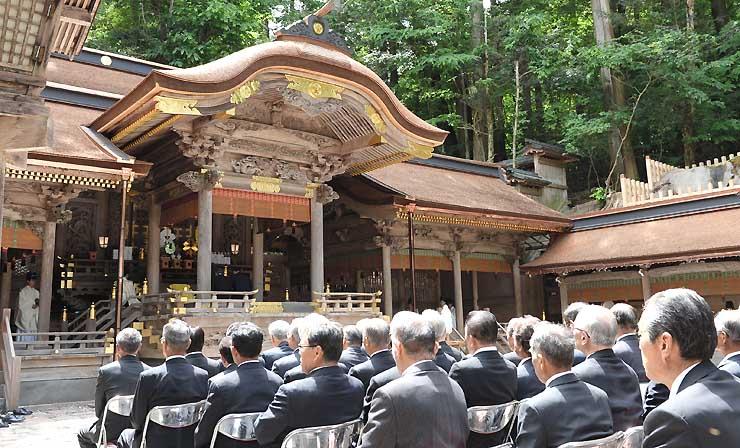 拝殿などの修復工事が終わった諏訪大社上社本宮