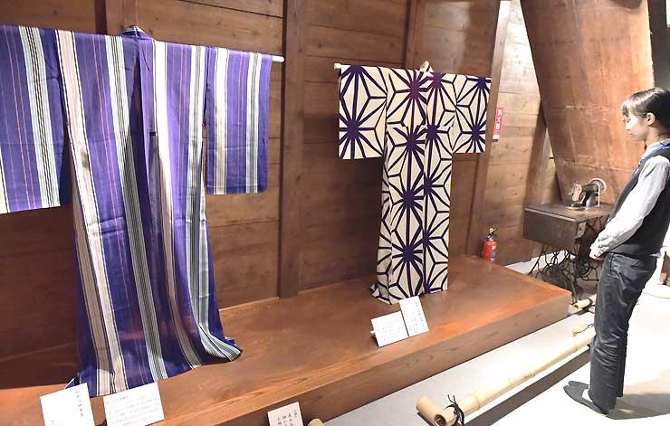大正から昭和初期の夏着物を展示している「大正ロマンの夏きもの」展