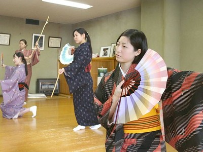 21日・芸文で「新潟をどり」 古町芸妓稽古に熱 新名取4人も出演