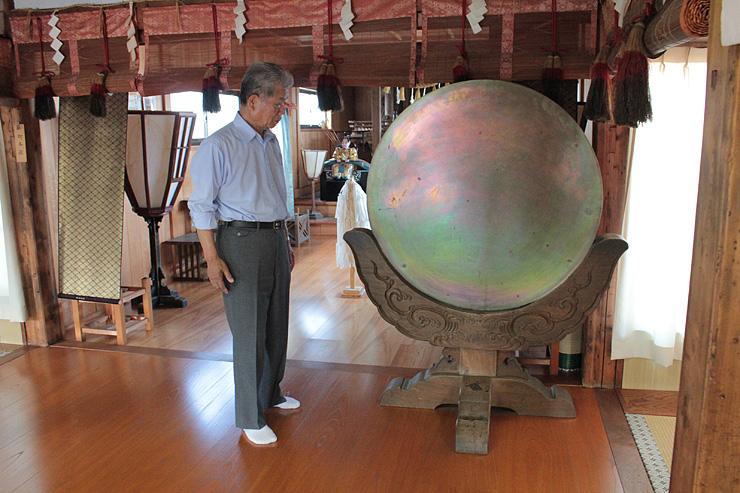 江戸時代では国内最大の可能性がある和鏡=立山町の五百石天満社