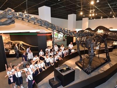 南アジアの恐竜に迫る、特別展が開幕 研究の成果を一堂に披露