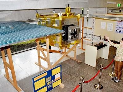 実物大はやぶさ2の模型を北陸初展示 福井市自然史博物館で特別展