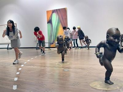 不思議空間へトリップ 近代美術館 親子向け展覧会