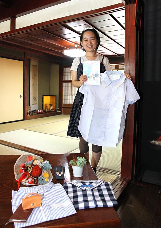 古い町家「じょうはな庵」で手作り品販売やワークショップのイベント「はなまるしぇ」を開く松田さん