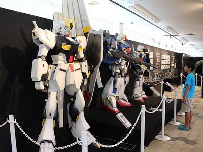 見て触れて心に残る夏 ガンダム「再上陸」 阿賀野で展覧会 ザク実物大頭部も公開