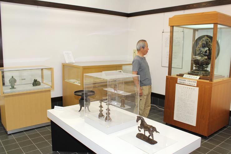 焼型鋳造法を用いた作品を集めた企画展