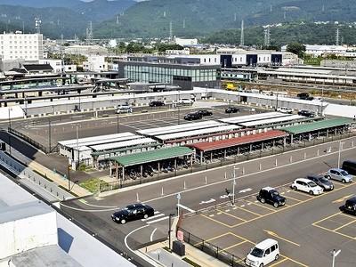 北陸新幹線 レール敷設 準備進むも... 敦賀駅周辺は整備遅れ