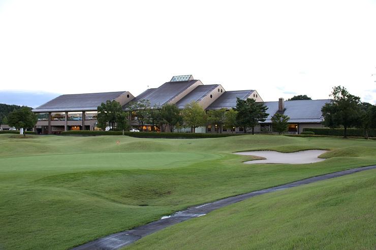 2018年に「日本女子プロゴルフ選手権コニカミノルタ杯」の開催が決まった小杉カントリークラブ=射水市浄土寺