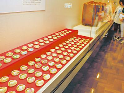 菊蒔絵貝桶一式を公開 県輪島漆芸美術館、2年半かけ完成