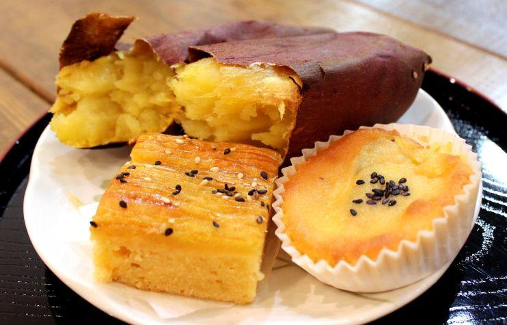 オープンした菓子店「絹いもや」のシルクスイートを使ったお菓子(13日、新潟市北区)