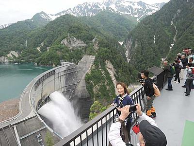 黒部ダム、入り込み100万人回復へ 新幹線延伸などで5年ぶり
