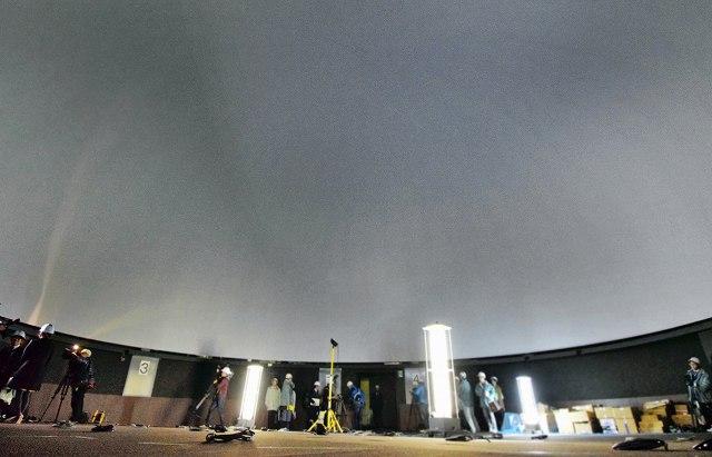 プラネタリウムに加え、超高解像度(8K)映像を投影できるデジタルドームシアター=22日、福井市中央1丁目