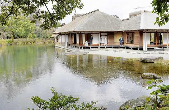米専門誌の2015年日本庭園全国ランキングで4位となった養浩館庭園=4日、福井市宝永3丁目
