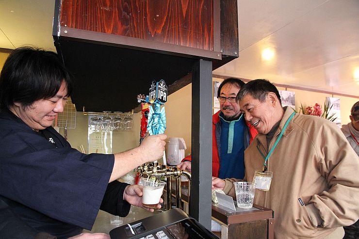 沼垂ビールのブルワリーのお披露目会=新潟市中央区沼垂東1
