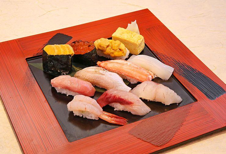 新潟県内のすし職人が提供する特上にぎりずし「極み」