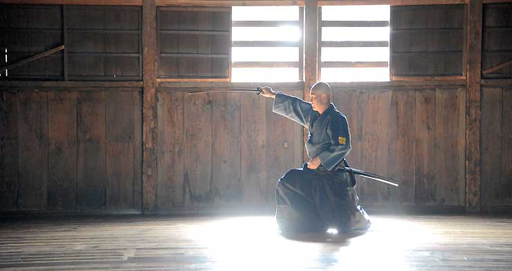 日によって古武道を体験できる文武学校