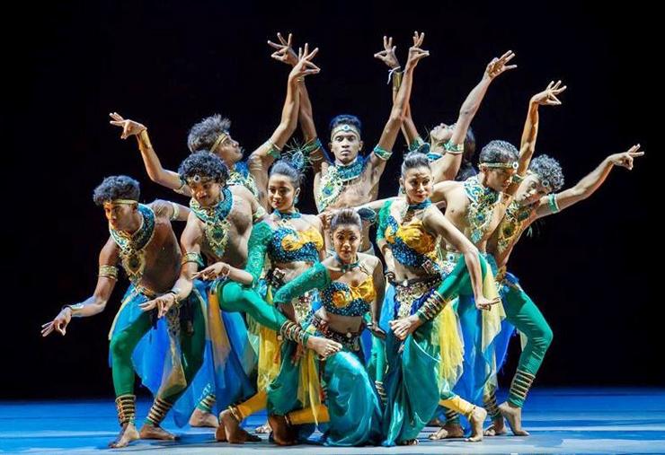 初参加となるスリランカの「青年ダンスアンサンブル」は民俗舞踊を披露する