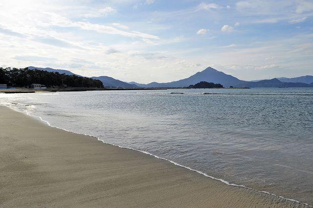 国際環境認証「ブルーフラッグ」の国内審査で認められた高浜町の若狭和田海水浴場